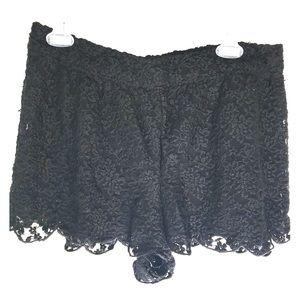 Free People black lace shorts large